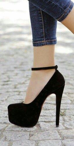 pinterest: @ nandeezy † | Saltos pretos, Sapatos, Sapatos