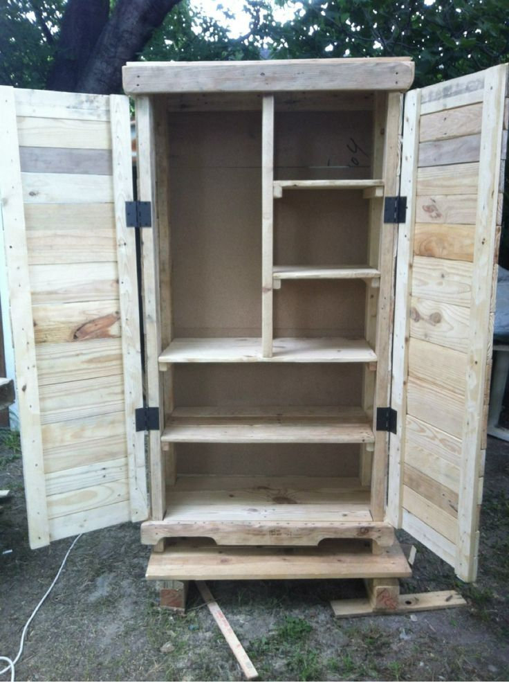 Love this armoire!! Made by Austin\'s pallet furniture. You can find ...