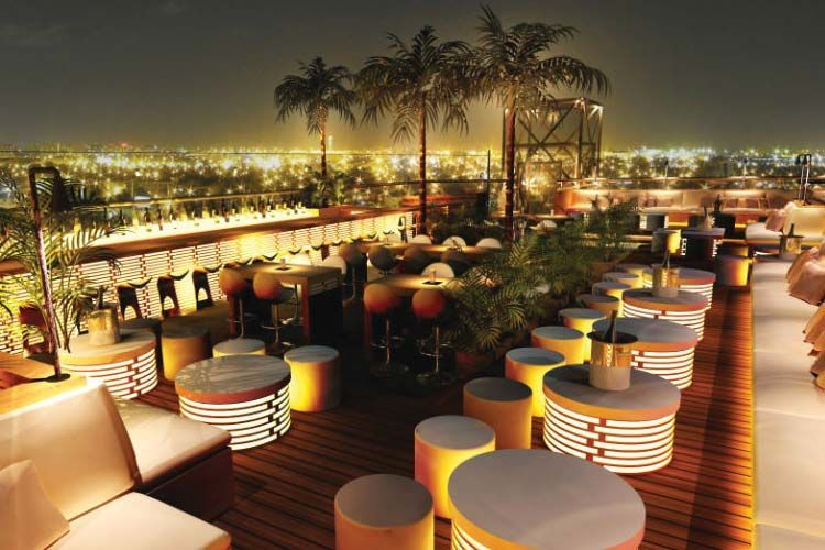 Skyfall Lounge Rooftop Bar In Las Vegas Therooftopguide Com Rooftop Bar Design Rooftop Design Rooftop Terrace Design