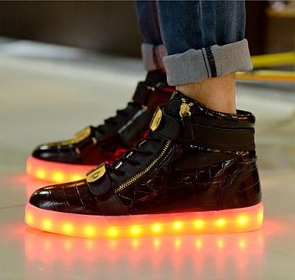 (Buy here: http://appdeal.ru/6qq ) 7colors men women LED shoes chaussures luminous adult lights casual shoes high top 36-44 high qulaity USB charging dropshipping for just US $42.88