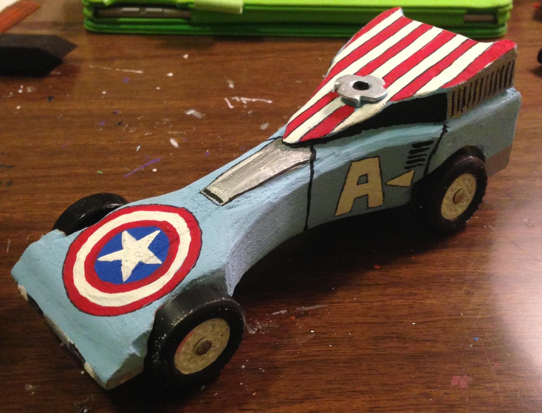 captain america pinewood derby car i painted for my son