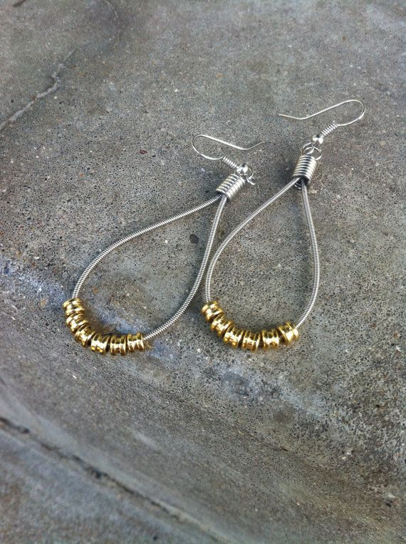LOVE these recycled guitar string earrings
