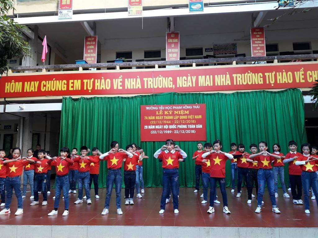 Áo cờ đỏ sao vàng trường Tiểu học Phạm Hồng Thái - Hình 2