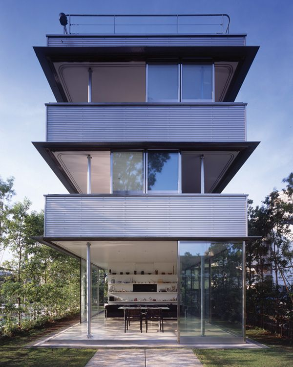 Modern Japan Houses - 360-degree garden access plus a rooftop patio ...