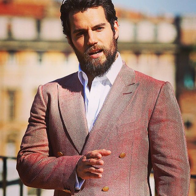 Henry Cavill pontificating in Rome today for  #themanfromuncle press event. Wouldn't you love to hear what he's saying? More images HenryCavill.org #henrycavill #henrycavillorg #manfromUNCLE #gorgeous #toocute #NapoleonSolo