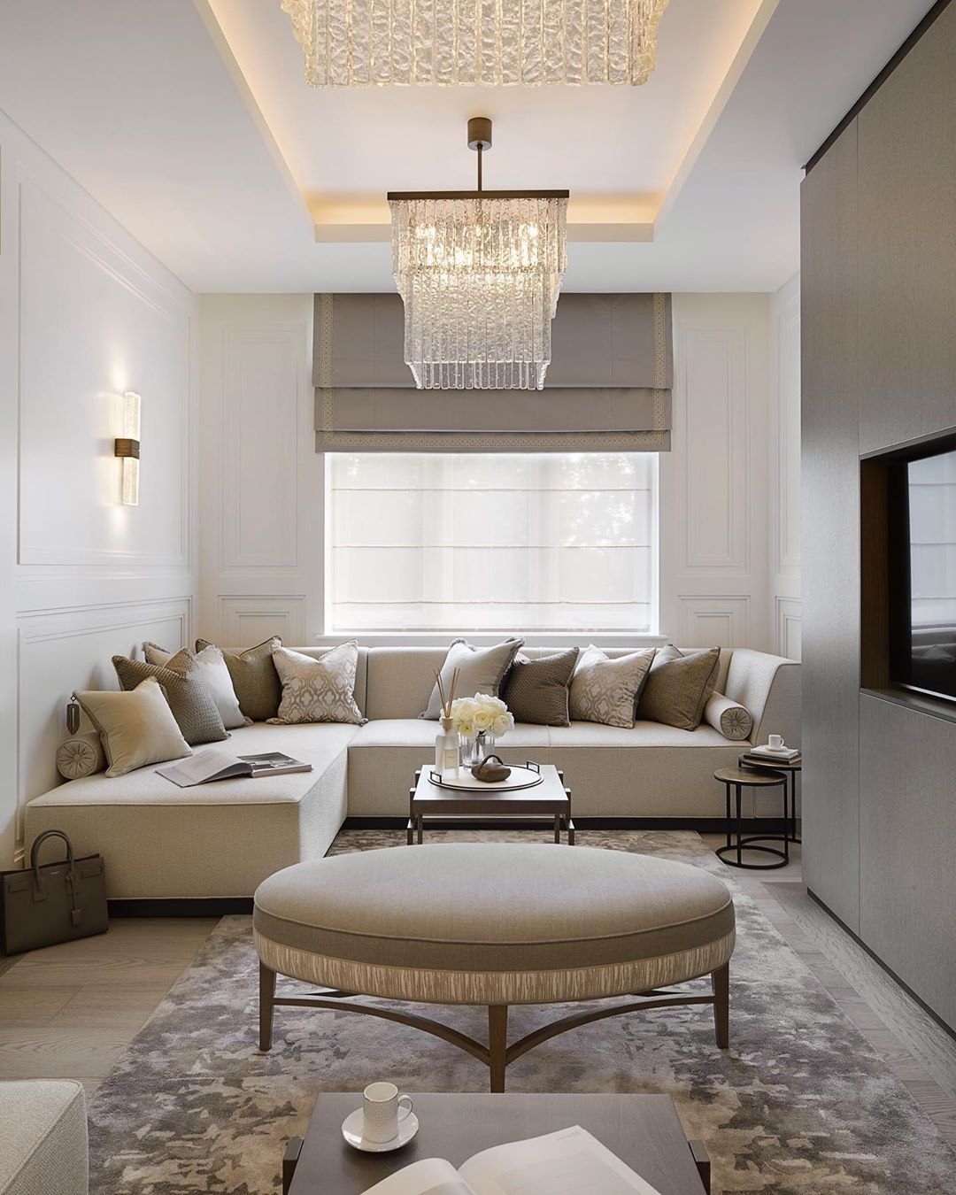 Sophie Paterson On Instagram The Compact Majlis Sitting Room At Our Hyde Park Project We Luxury Furniture Living Room Sophie Paterson Interiors Home Decor