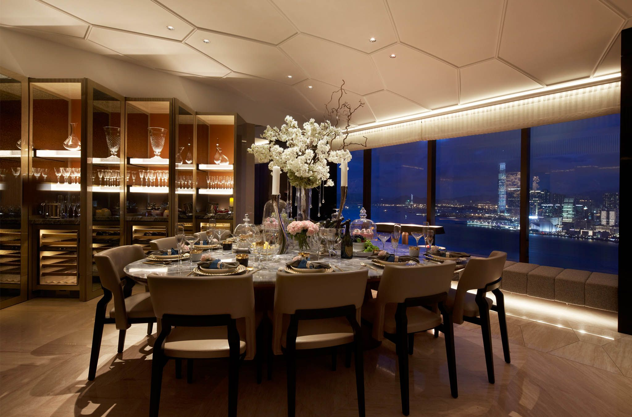 Exclusive residence the gloucester hong kong ab concept for Dining room hong kong