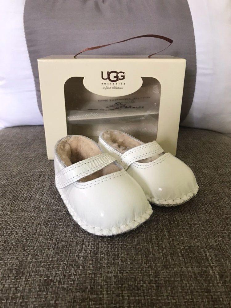 UGG I Honey B Infant shoes Color: White