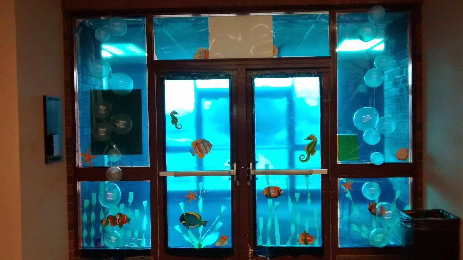 Ocean Theme Decorating Ideas Under The Sea Door And Window Covers Lifeway Vbs 2016