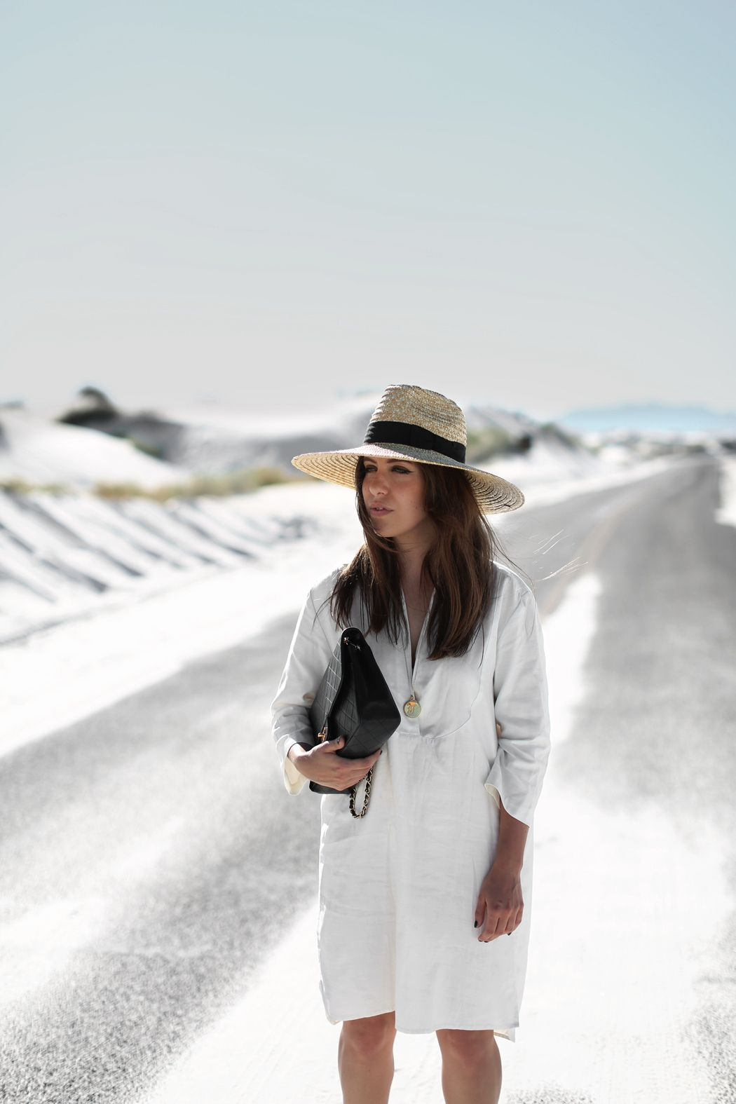 2f9530e3 DOUBLE WHITE   Fiona from thedashingrider.com wears a Filippa K Tunic, a  Catarzi Hat and a bag from Chanel #ootd #whatiwore #petite #whitesands  #newmexico