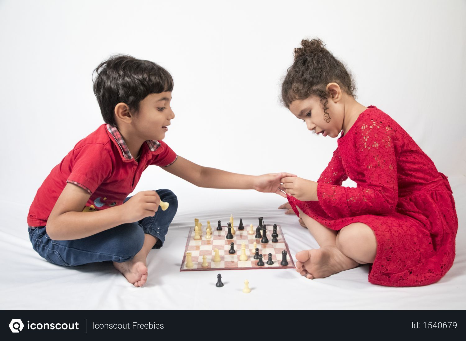 Free Two Little Kids Are Sitting On The Floor And Playing Chess Photo Download In Png Jpg Format Little Kids Kids Photo