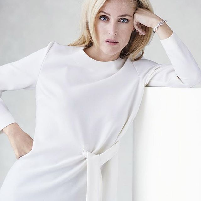 Actress Gillian Anderson looks gorgeous in our Tiffany Bow cuff in the October issue of @bazaaruk. 📸: Philip Sinden #Tiffany #TiffanyAndCo