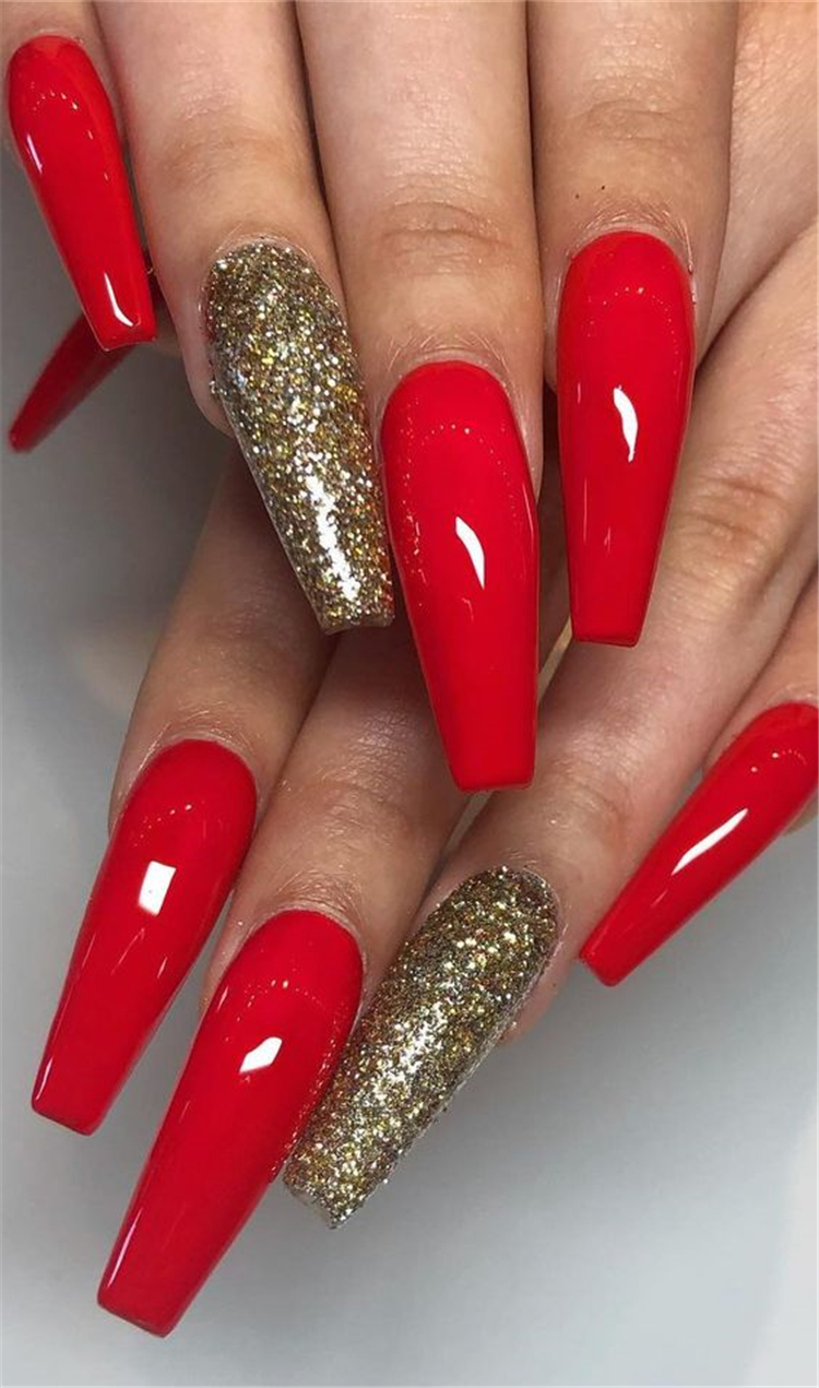 50 Trendy Winter Red Coffin Nail Designs For The Christmas And New Year Page 15 Of 50 Women Fashion Lifestyle Blog Shinecoco Com Red Nails Glitter Red Acrylic Nails Gold Acrylic Nails
