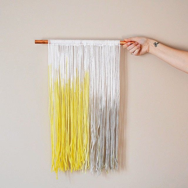 This DIY Dip Dyed Yarn Wall Art tutorial is #ontheblog today! We are ...