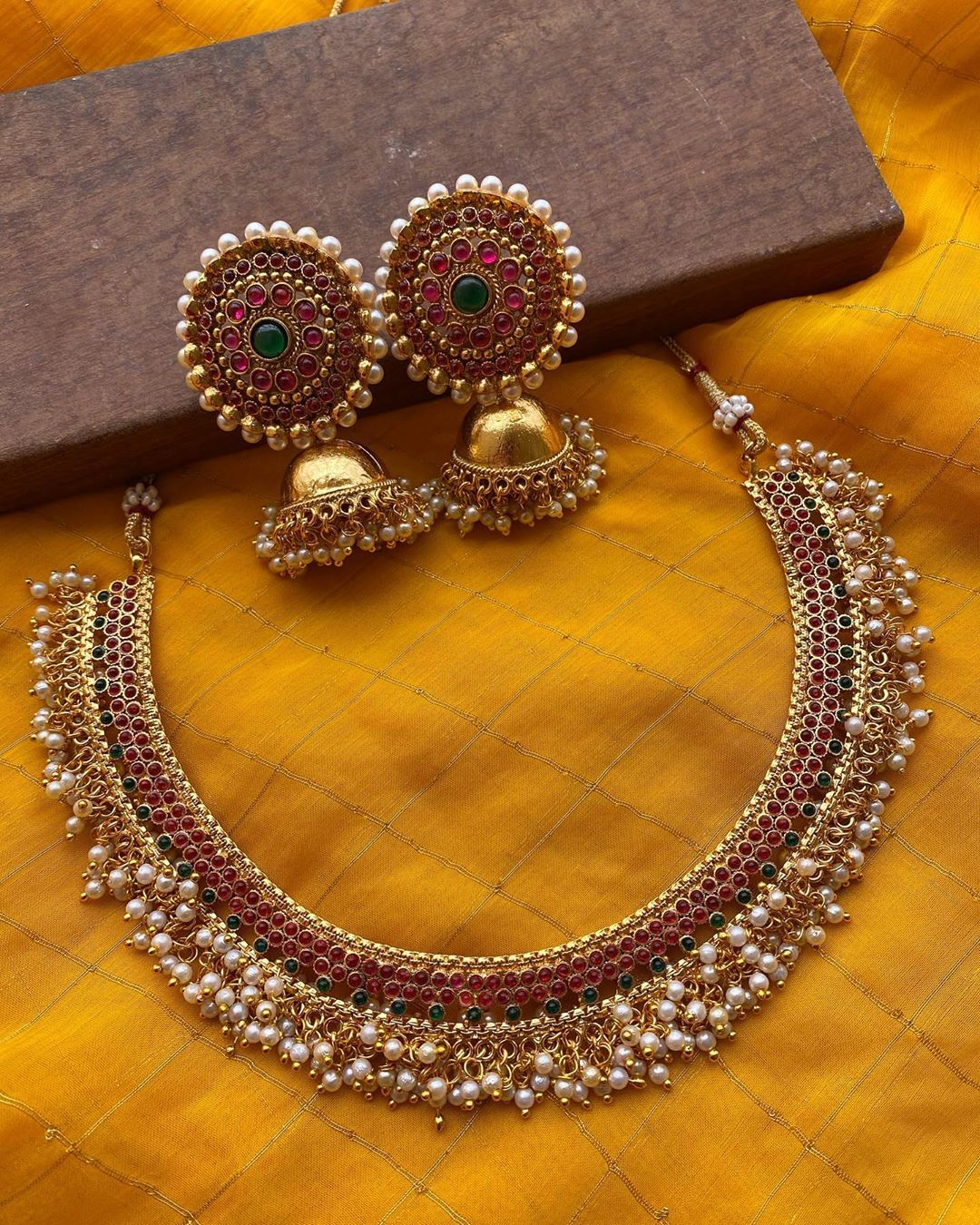 Gold Necklace Set with Jhumka Earring