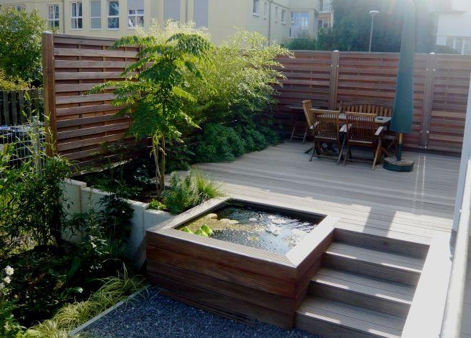 Kleiner Schmaler Garten Bilder Und Beispiele Zur Gartengestaltung Wasserbecken Garten Schmaler Garten Gartengestaltung
