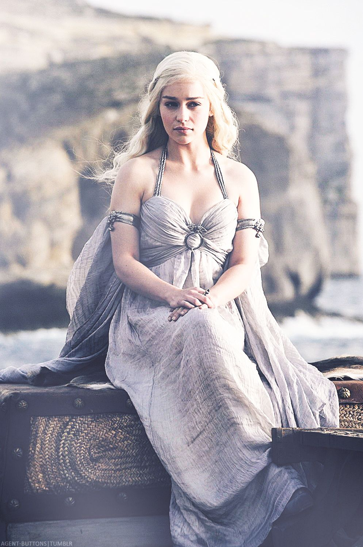 Emilia Clarke as Daenerys Targaryen | All Things - Game of ...