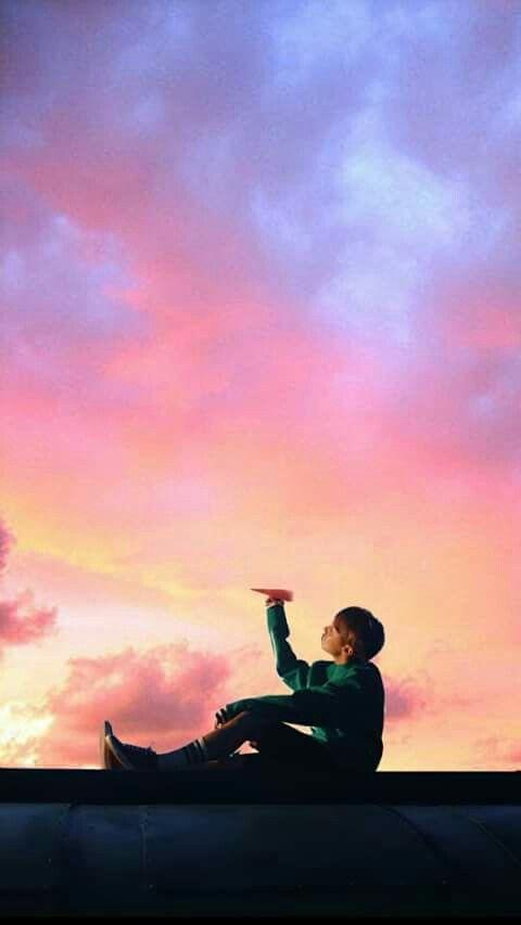Pin de Bts - 뷔국 | 방탄소년단 en 방탄소년단 | BTS, Bts wallpaper y Bts wings wallpaper