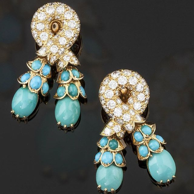 René Boivin Little bit of #reneboivin makes me always happy Visit @tefaf_maastricht Marjan Sterk Antique Jewellery stand 178 and discover this Golden Earrings by René Boivin 18K #yellowgold #turquoise #diamonds  #antiquejewelry #tefaf2016 #jewelleryaddict #jewelrygram #jewelryblog #blissfromparis #gemlover #gem #lovegold