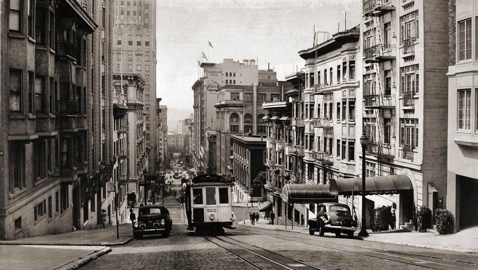1945 - Powell Street facing south from Pine Street -