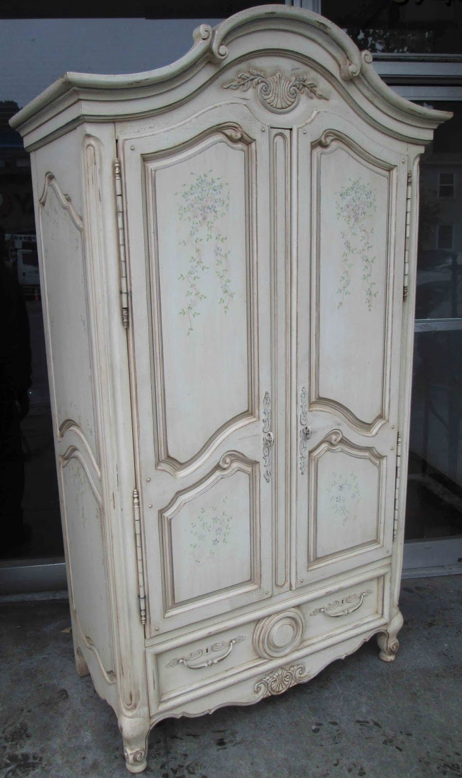 UHURU FURNITURE U0026 COLLECTIBLES: Thomasville French Provincial Armoire   $140