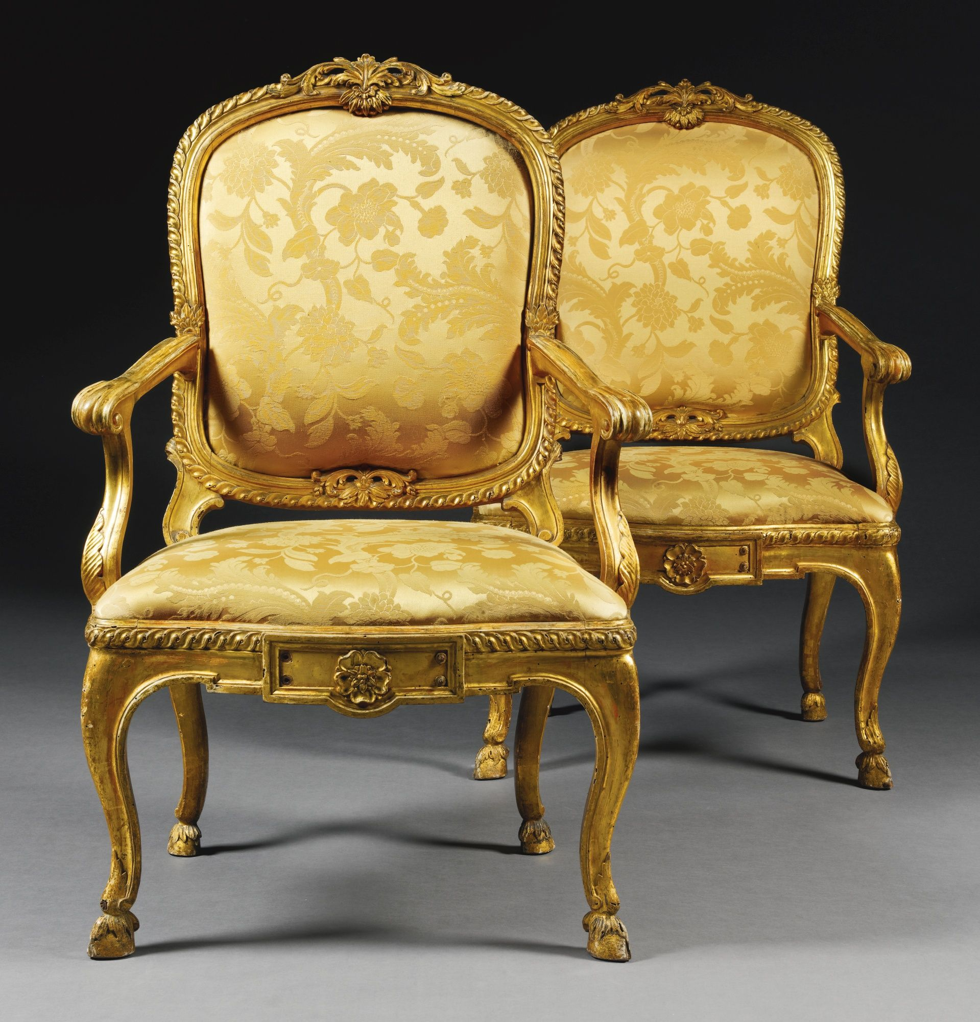 Antique italian chairs - Antique Furniture A Pair Of Italian Carved Giltwood Armchairs Rome Circa 1770 Each With A Cartouche