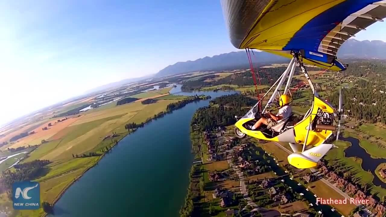 How does it feel to fly ultra-light models? These Brazilian pilots are really having fun.
