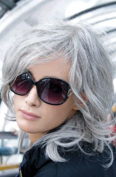 Pourquoi a t on les cheveux gris