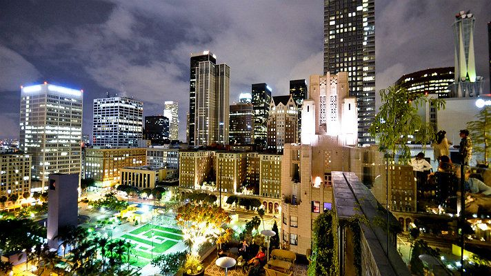 View Of Pershing Square Downtown Los Angeles From The Perch Rooftop Bar California Los Angeles Bars Los Angeles Los Angeles Travel