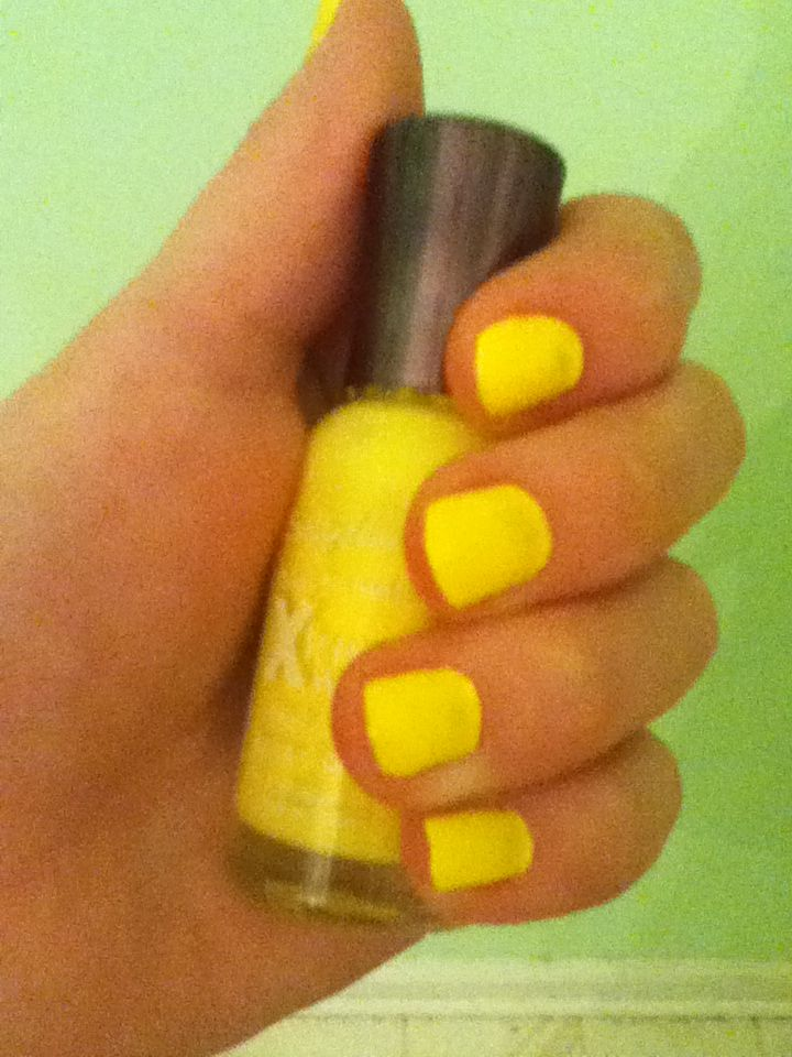 Mellow Yellow Sally Hansen Nail Polish I Got A Target For 2 50