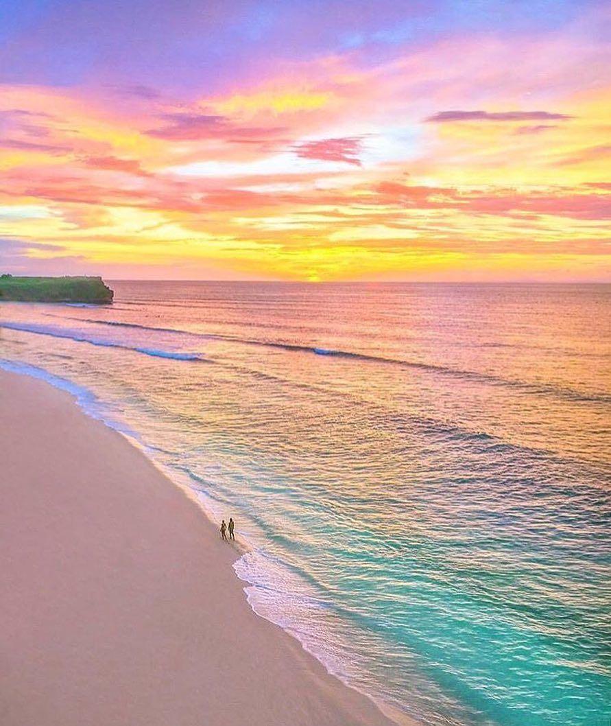 Pastel Beach Aesthetic Wallpaper