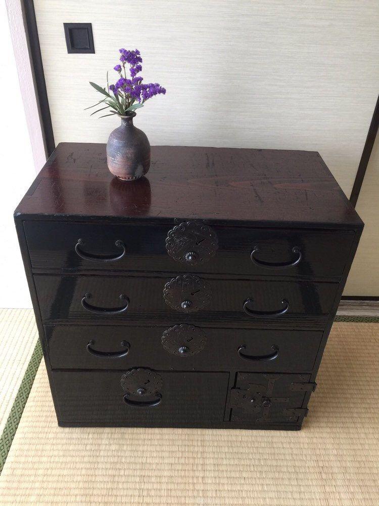 J Ai Le Plaisir De Vous Presenter Cet Article De Ma Boutique Etsy Antique Japanese Clothes Chest Inter Decoration Maison Decoration Interieure Bois De Cedre
