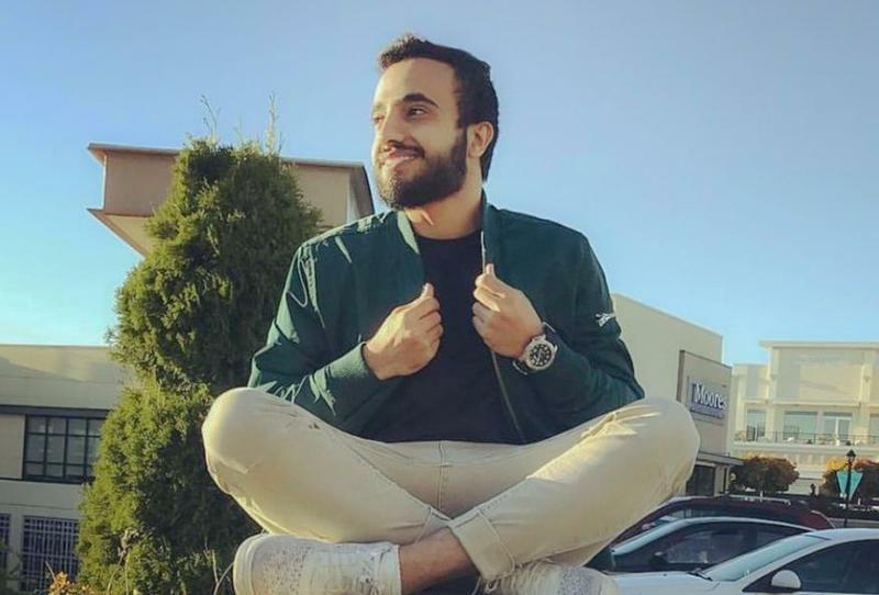 الانفلونسر ثنيان خالد يقدم إطلالات شبابية مميزة من وحيه الخاص Fashion Bomber Jacket Bomber