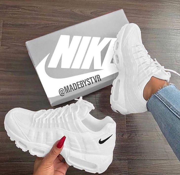 Instagram Pinterest Lifestyleduckling Instagram 2 Lemonpv Trending Shoes Sneakers Sneakers Fashion