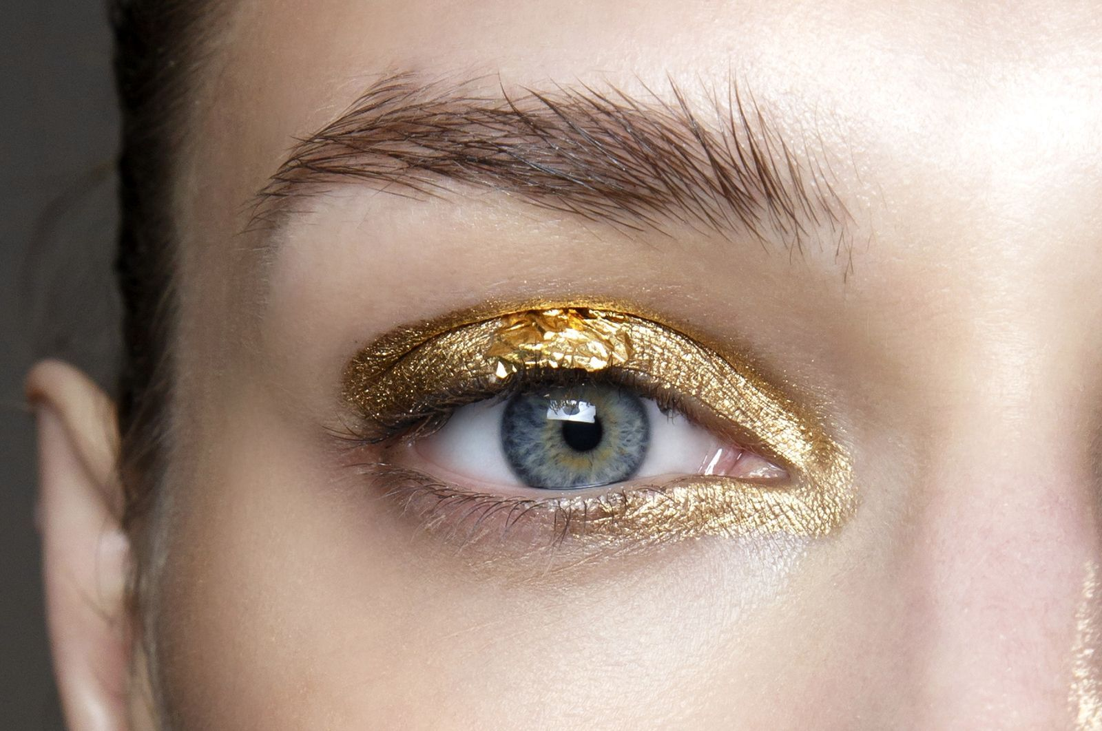 10 Crazy Cool Beauty Trends You Can Only Get Away With On New Years