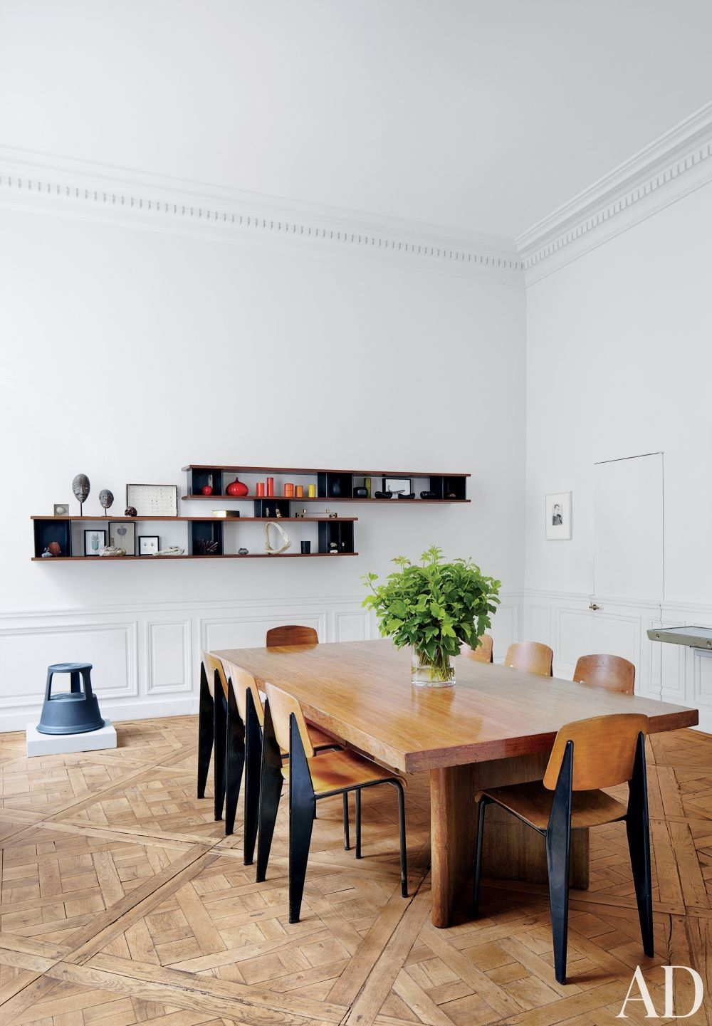 Patrick and Laurence Seguin Minimalist dining