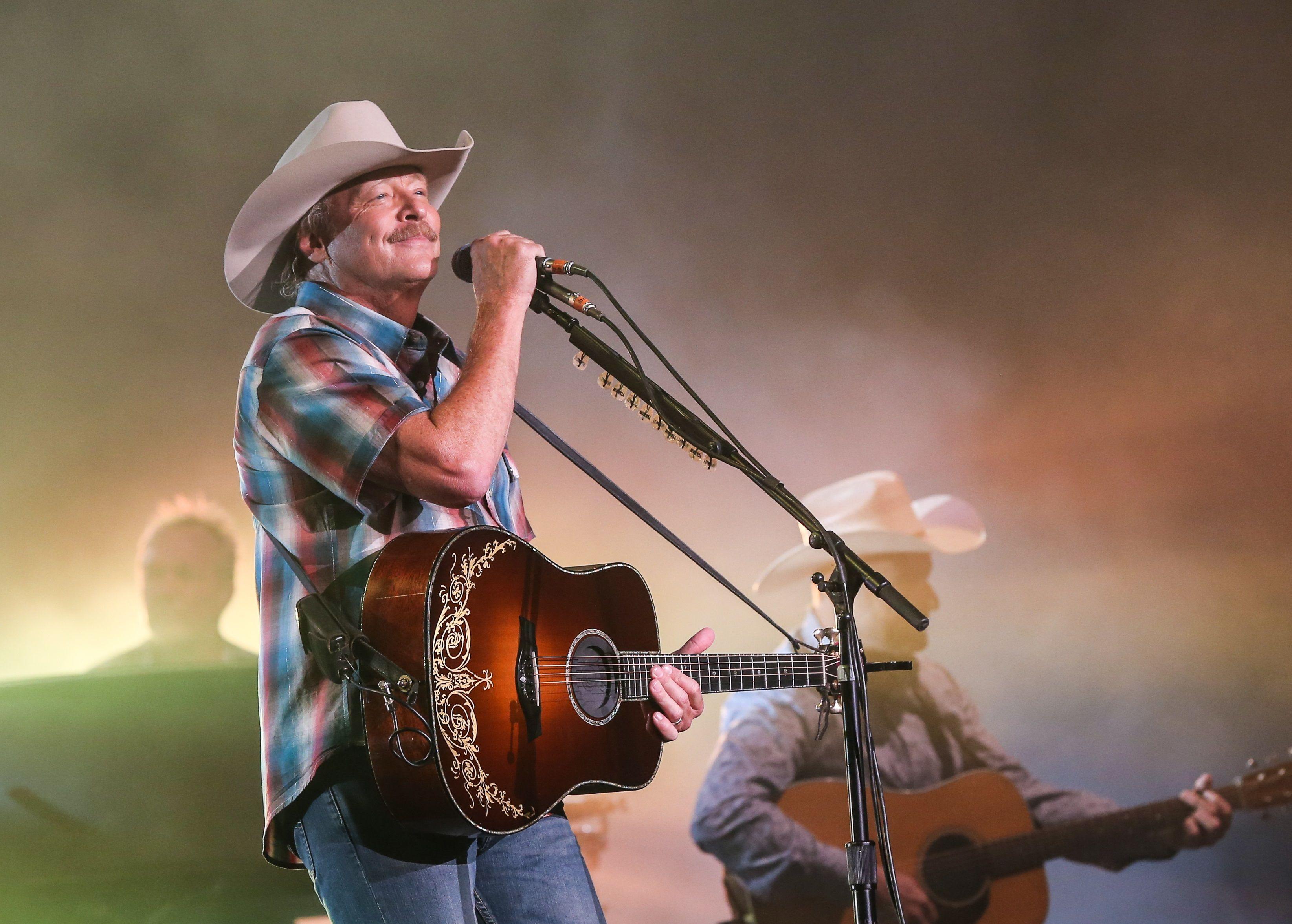 Alan Jackson Delivers Hit After Hit During Nashville Show