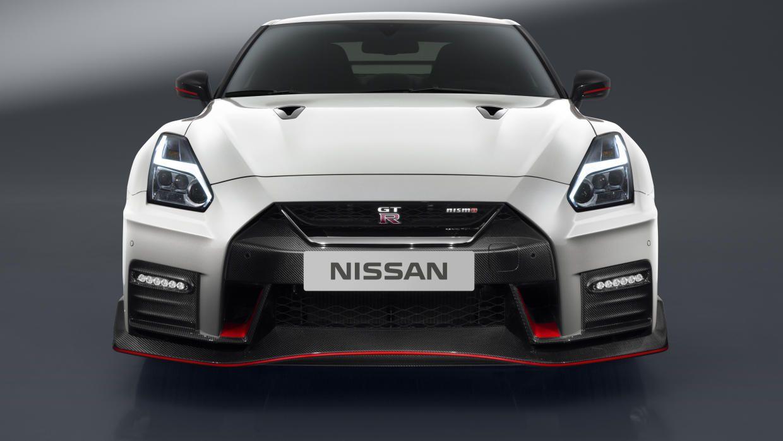 nissan gt r nismo 2017 el jefe de godzilla debut en el n rburgring rh pinterest com