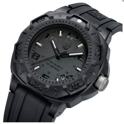 LUMINOX SENTRY 0200 SERIES. Men's durable watch. R & M Woodrow Jewelers provides a higher standard of fine jewelry. Stop in at our showroom in the Westchester, NY area or order online today.