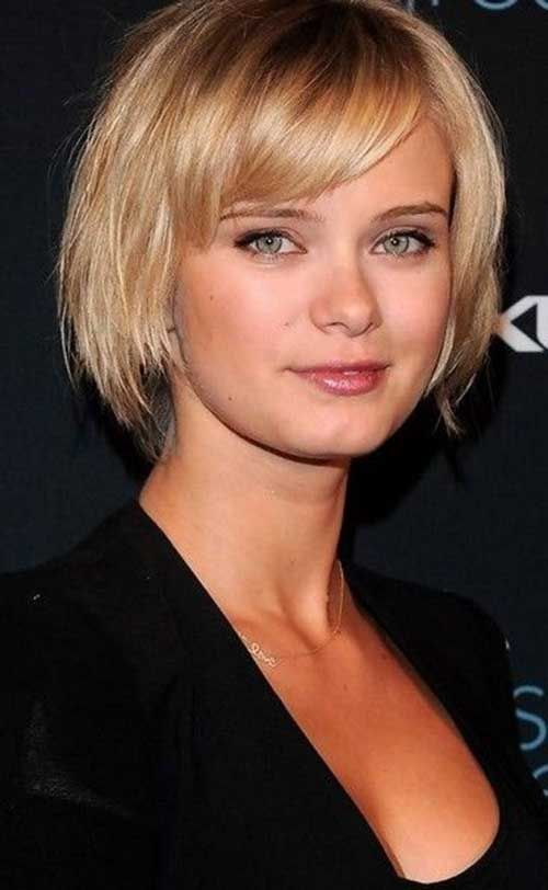15 Short Straight Hairstyles For Round Faces In 2020 Short Hair Styles For Round Faces Short Haircuts With Bangs Short Bob Hairstyles