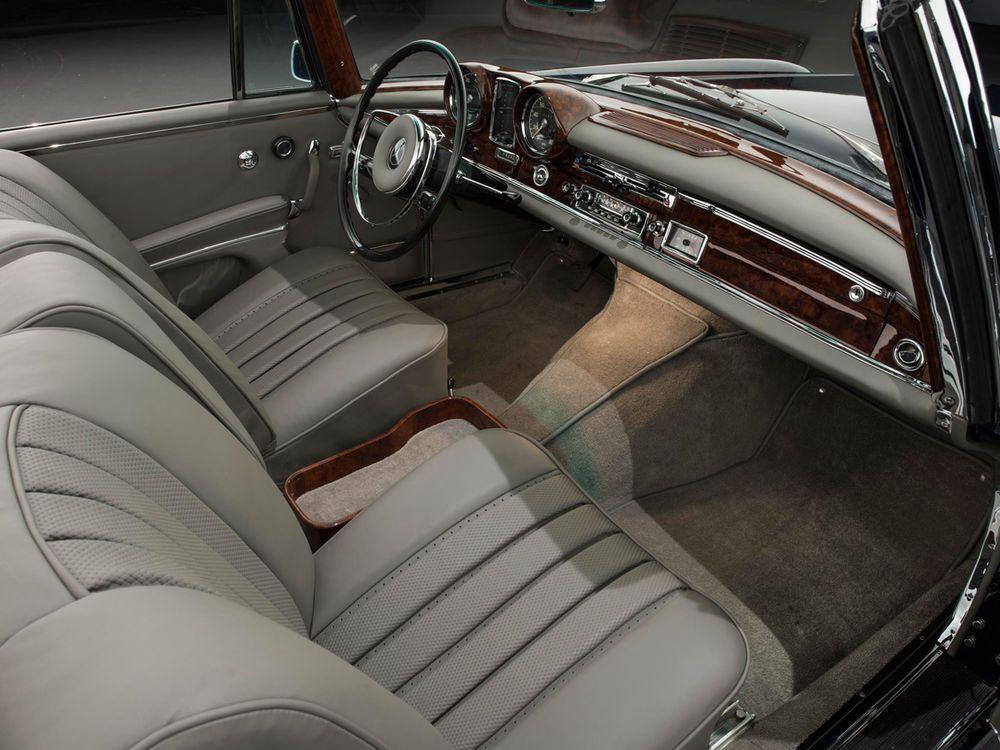 Armaturenbrett mercedes  Mercedes-Benz 300 SE Cabriolet innenraum armaturenbrett | MB ...
