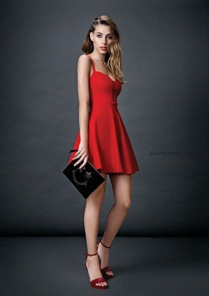 2fa41871 vestido corto rojo a lunares Las Oreiro otoño invierno 2015 ...