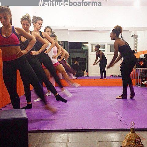 As alunas da @studiometaforma aceitaram o desafio #atitudeboaforma e foram de Balé Funcional! Participe também: se sua foto for a mais curtida da semana no Facebook, você aparecerá na BOA FORMA de maio! Vem com a gente!