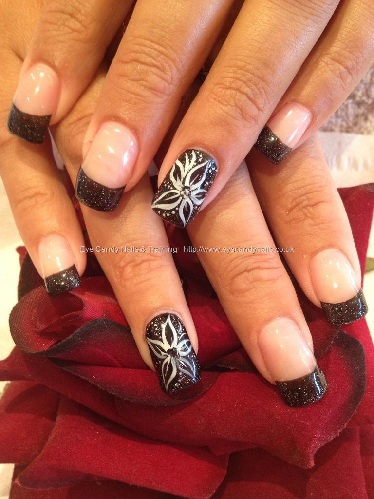 Freehand nail art Taken at9/1/2012 55554 PM Uploaded at
