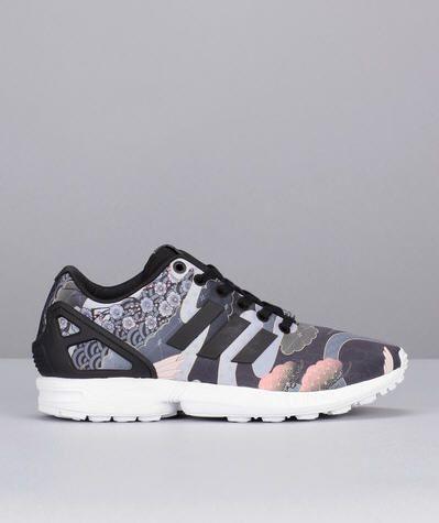 best loved 74b6c 96b22 Sneakers noires imprimées héron Zx Flux W Adidas Originals prix promo  Baskets Femme Monshowroom 100.00 €