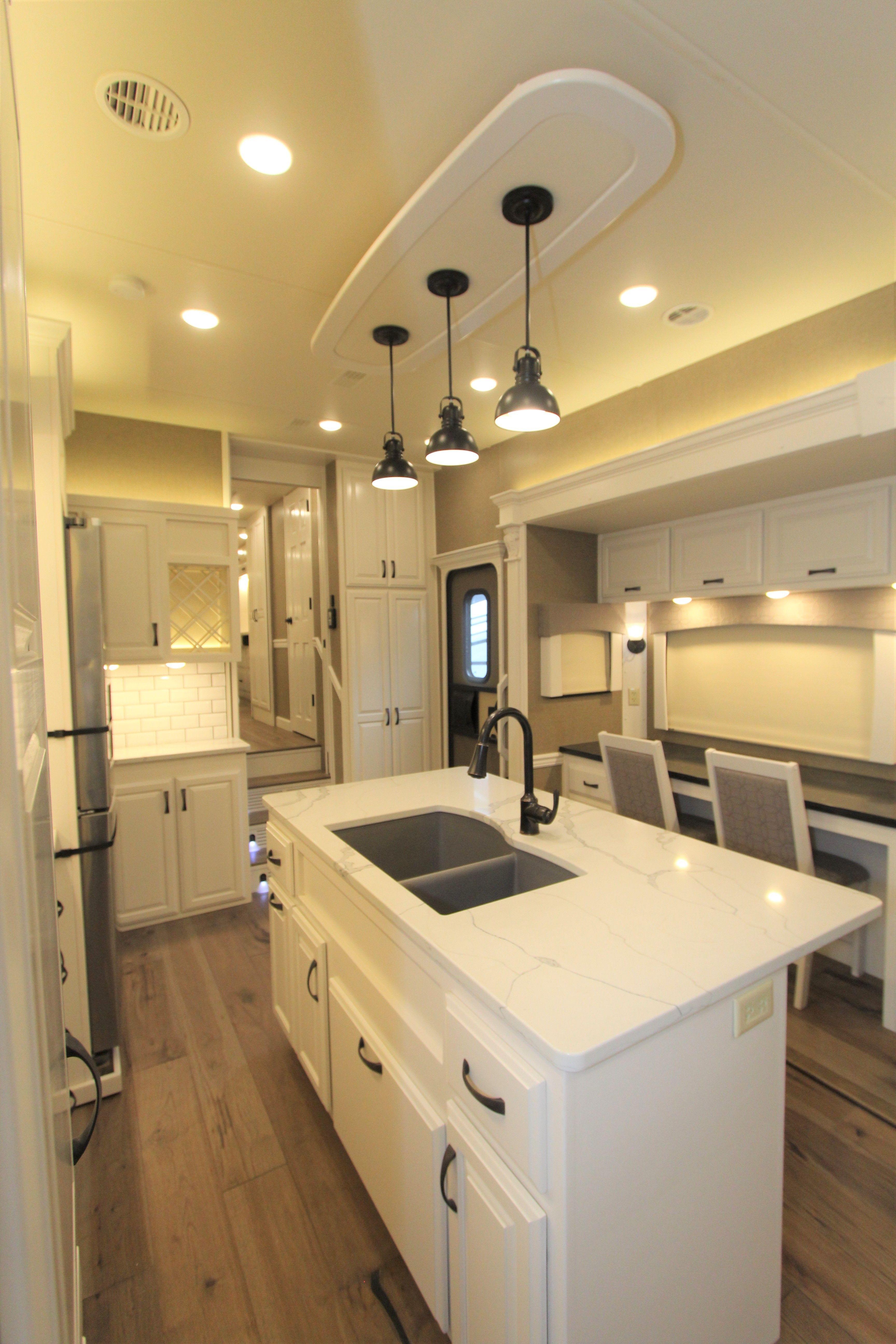 Majestic M403S- New Horizons RV   Interior design living ... on New Horizons Living Room  id=82105