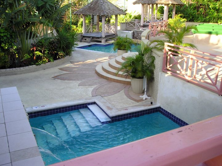 17 Affordable Small Pool Ideas To Fit Your Budget Swimming Pool Designs Small Swimming Pools Small Pool Design