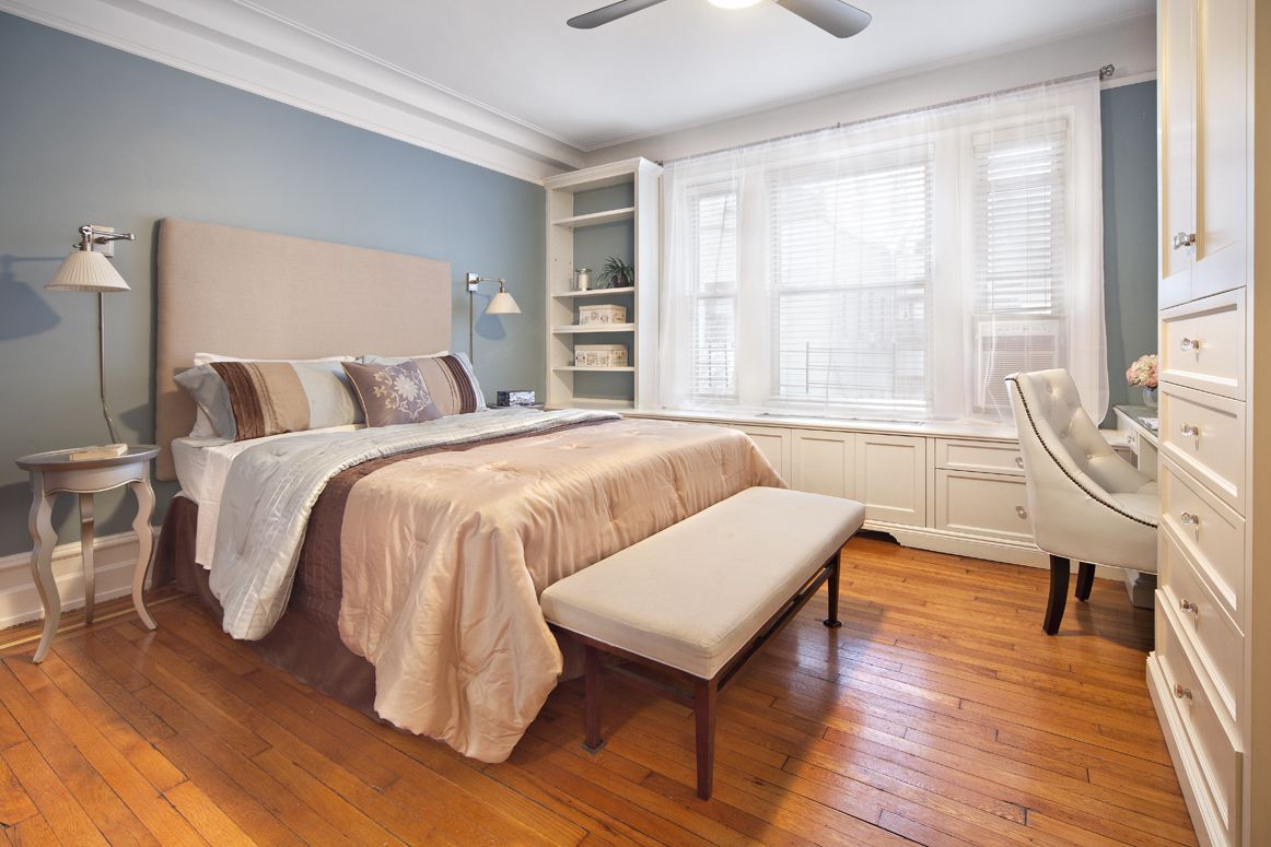 Decorating A Master Bedroom With Blue Walls   Bedroom Wall Paint Colors  Have Become Quite Popular These Days.