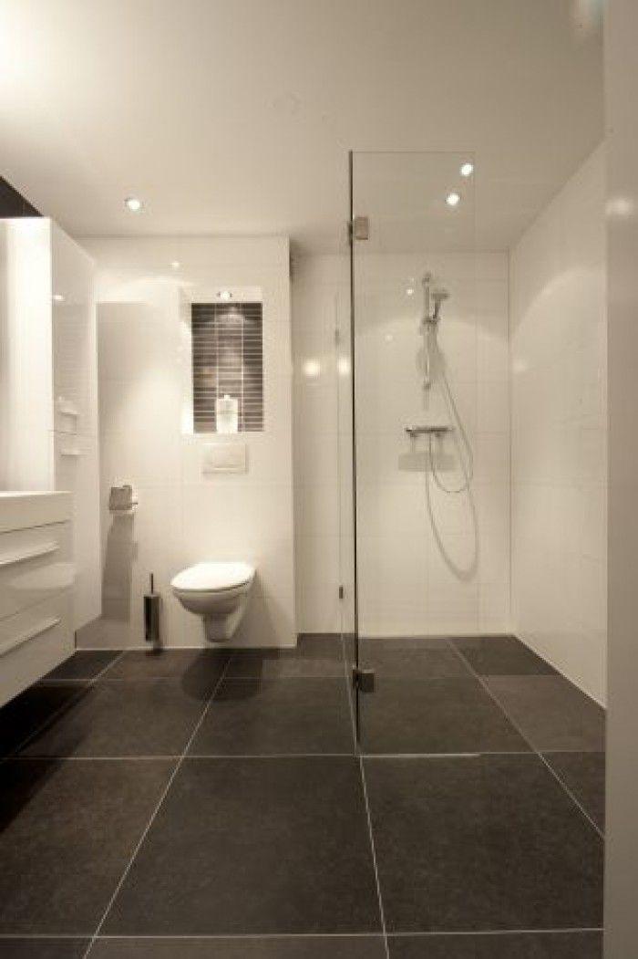 Ruimtelijk effect van grote tegels - Badkamer | Pinterest - Tegels ...