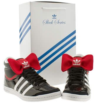 Cool red bow detachable in these Black & Red Adidas Top Ten